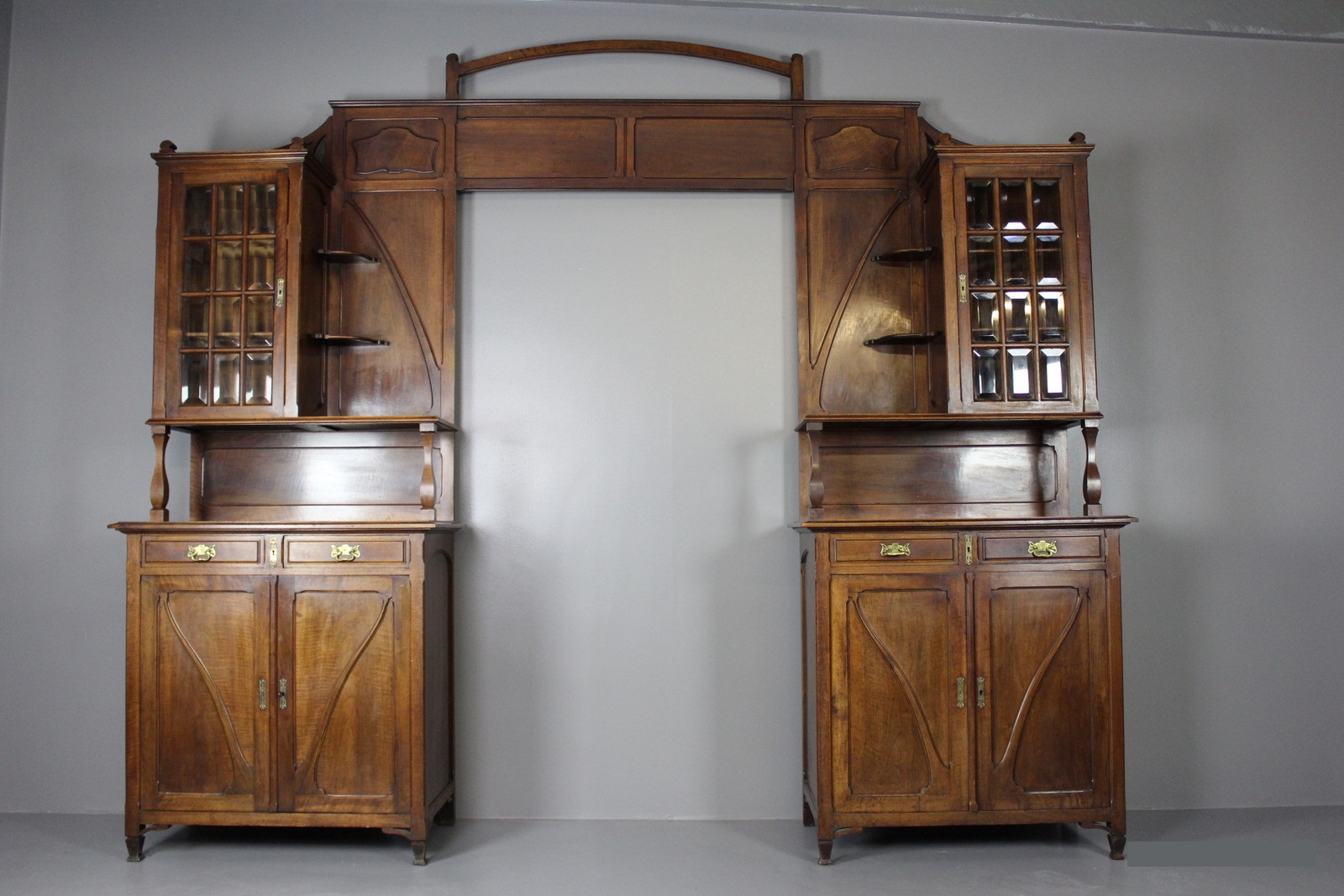 Walnoten Art Nouveau Deur ombouw te koop