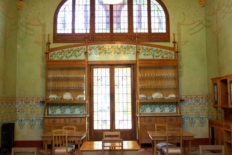 Zo neemt u contact op met Maison l'Art Nouveau