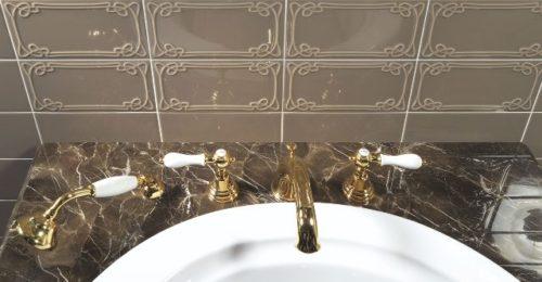 Art Nouveau tegels met reliëf
