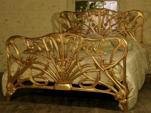 Chéri Art Nouveau bed Michelle Pfeiffer goud mahonie