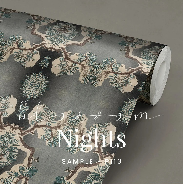 P113 Blossom Nights linnenlook behang